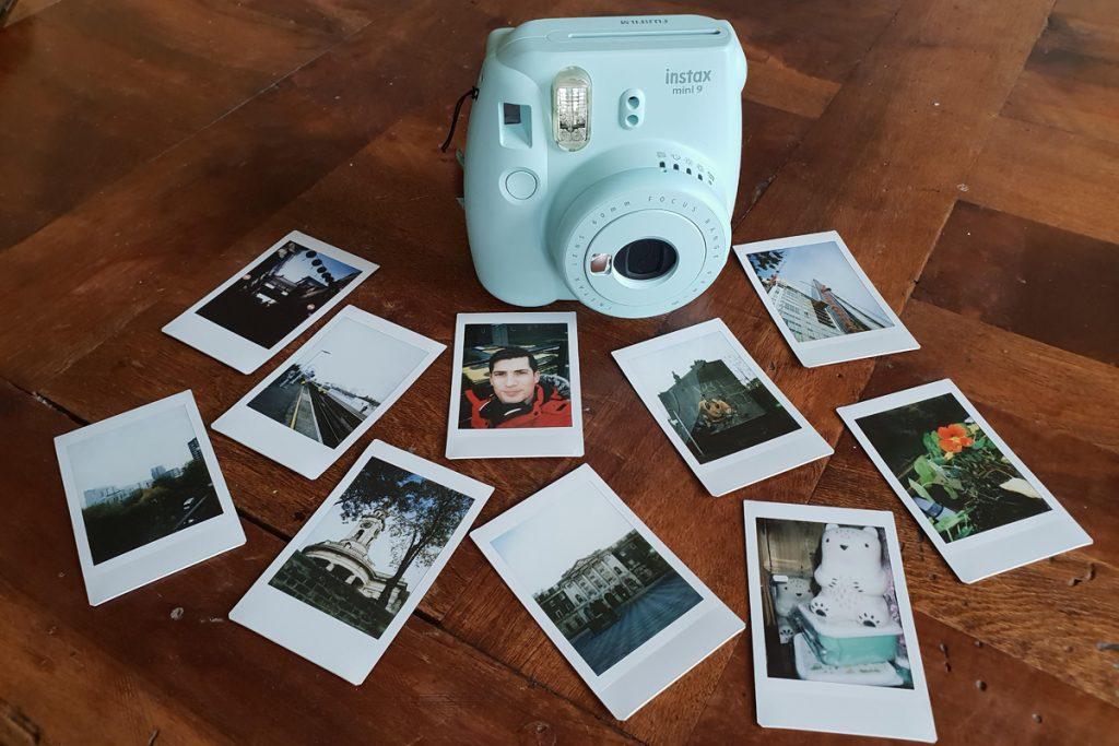 دوربین و عکس های instax mini 9